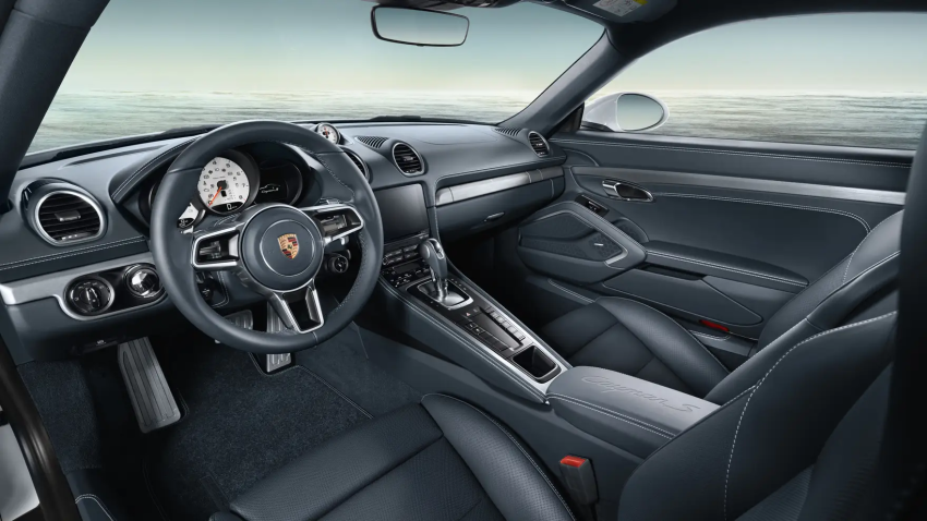 2021 718 Boxster front seating