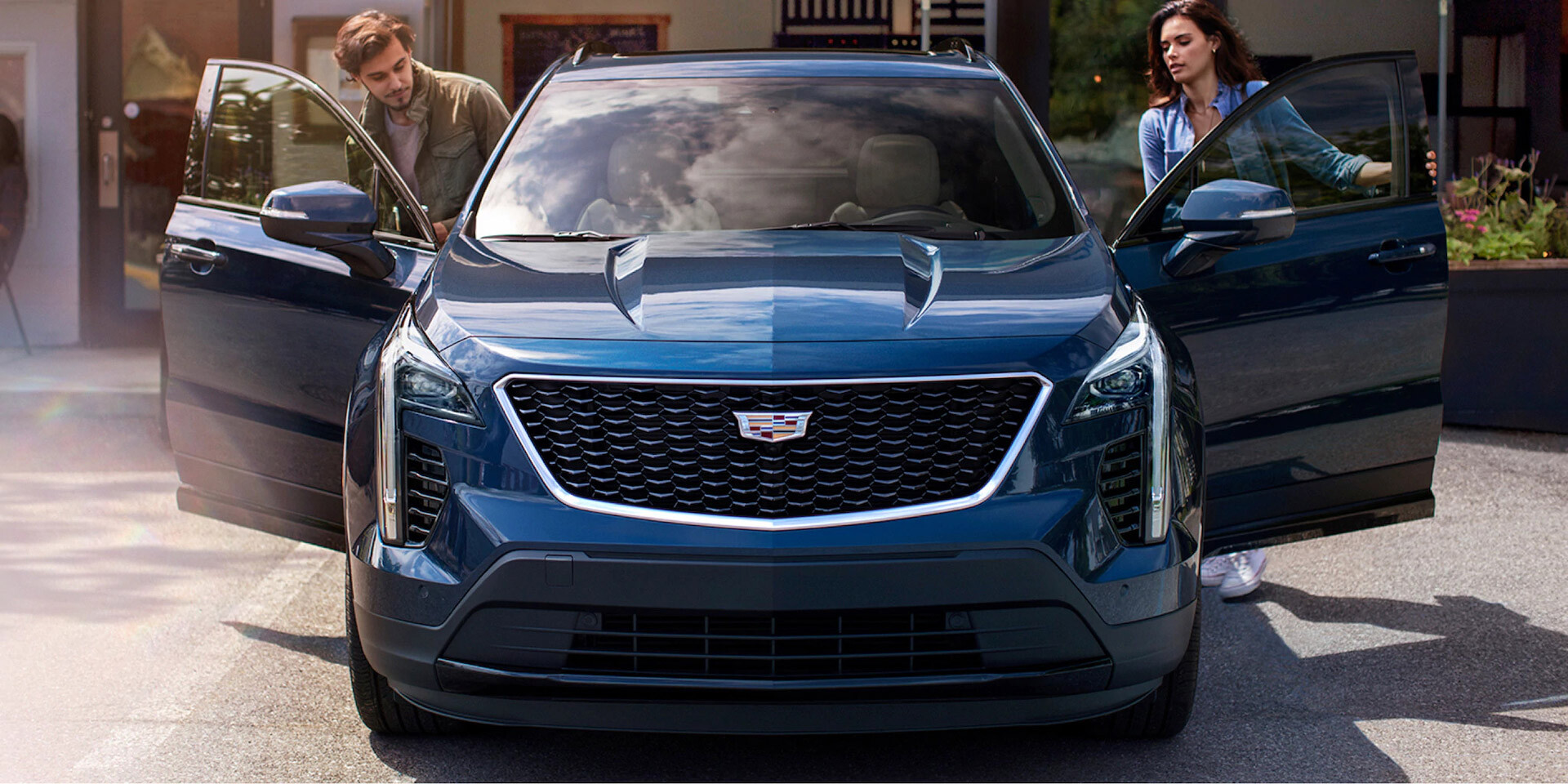 2020 Cadillac XT4 parked in driveway