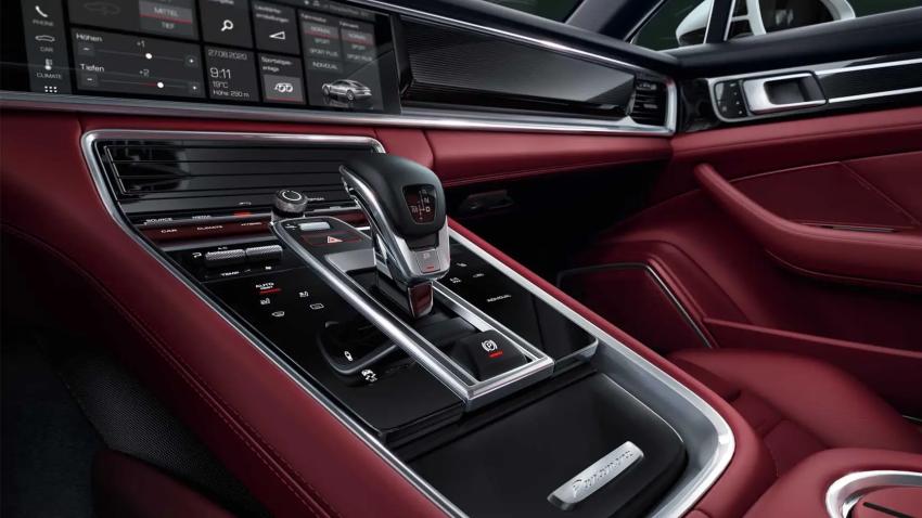 2021 Porsche Panamera Front dash interior