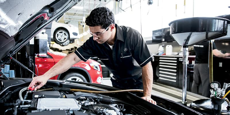 Mercedes-Benz Service Technician