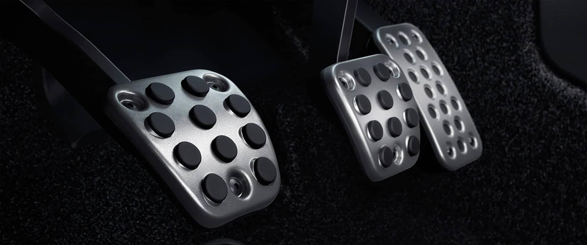 2020 Honda Civic Hatchback Sport Touring pedals