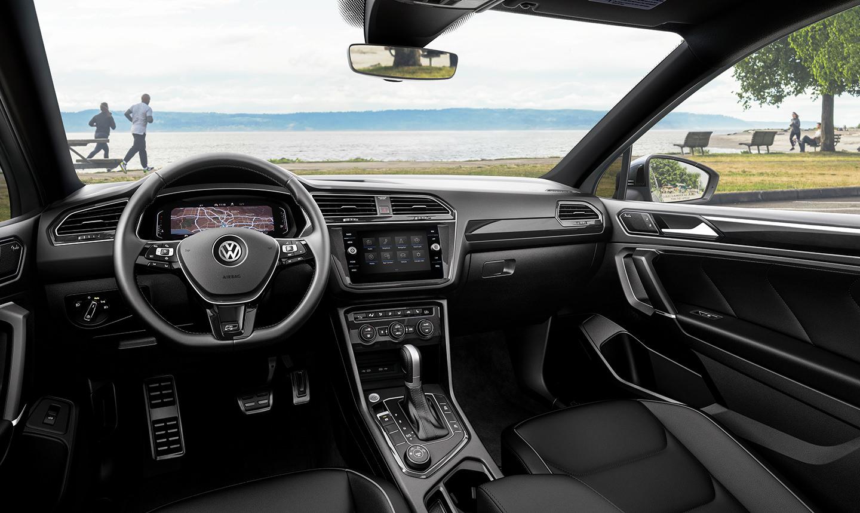 2021 VW Tiguan interior