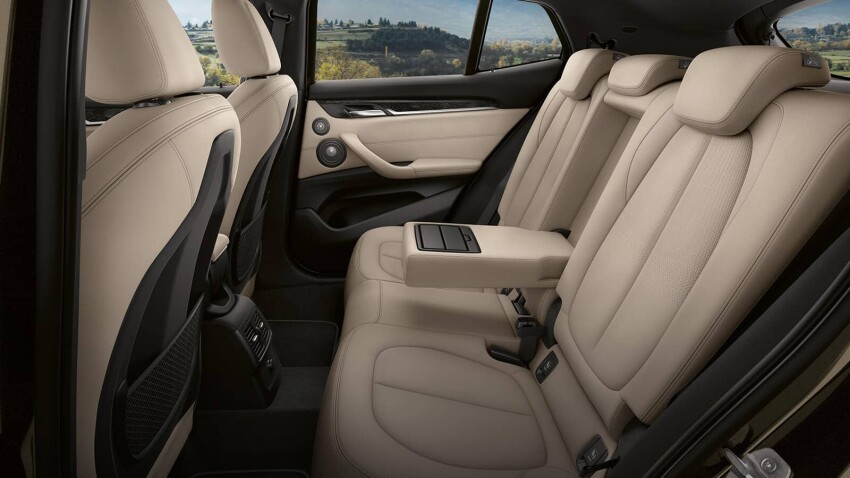 Interior view of the BMW X2