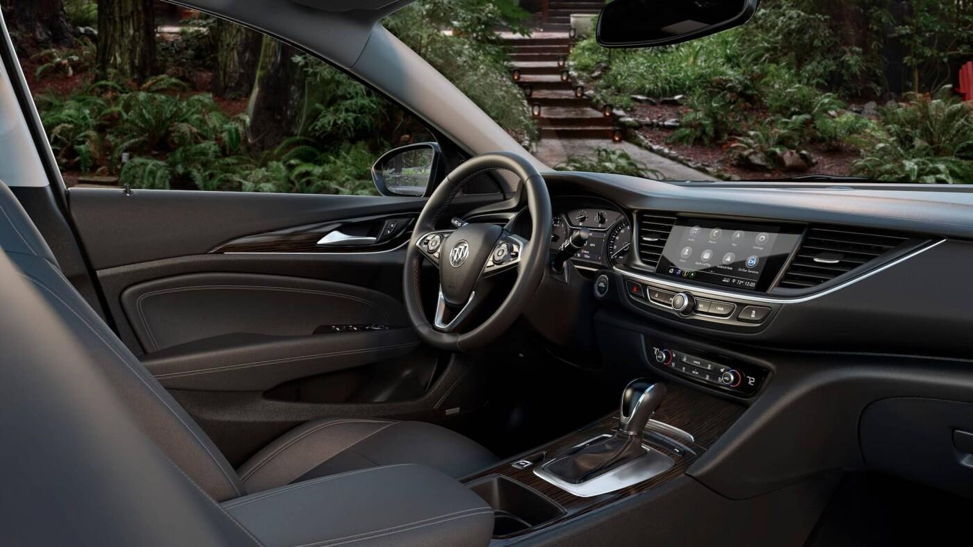 2020 Buick Regal Tourx Dash